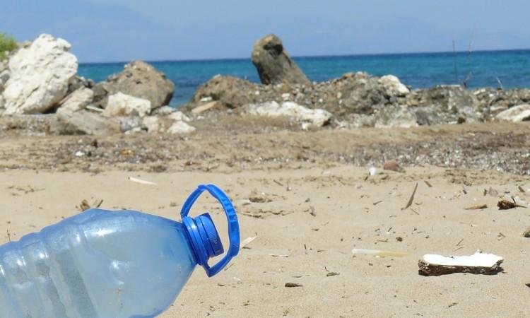¿Cuánto tarda el plástico en descomponerse?