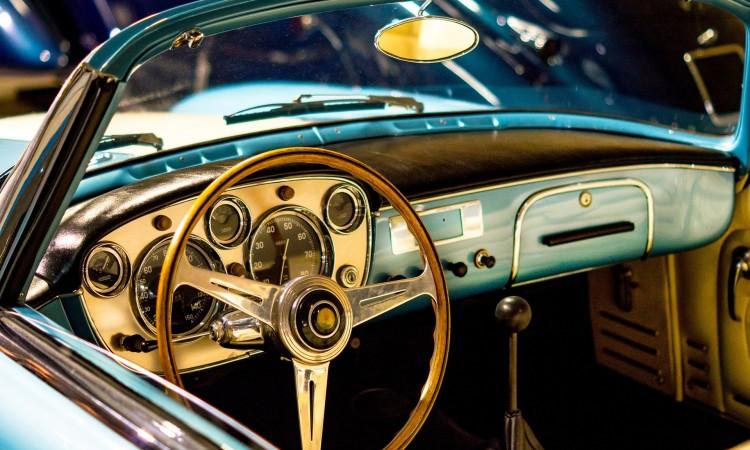 car-3046424_1920